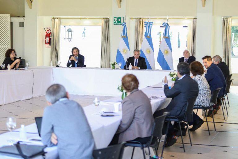 Extensión del aislamiento obligatorio: El presidente Fernández se reunió con el comité de expertos