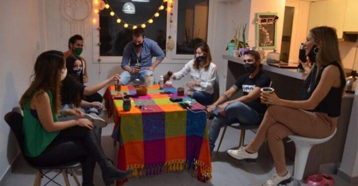 Desde este martes 24 se permitirán reuniones sociales de hasta 6 personas en Río Grande y Ushuaia