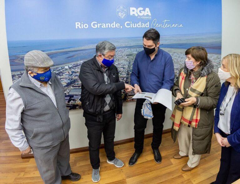Río Grande: El intendente Martín Perez recibió la comisión directiva del Club San Martín