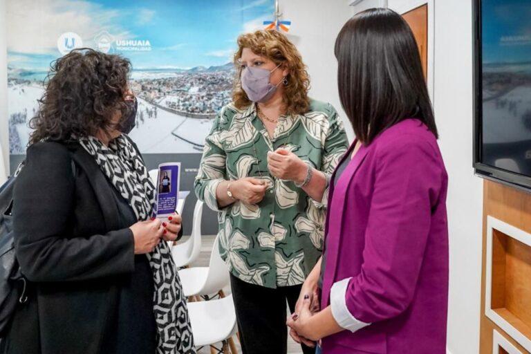 Carolina Yutrovic y Carla Vizzotti analizaron los avances del plan de vacunación en Tierra del Fuego